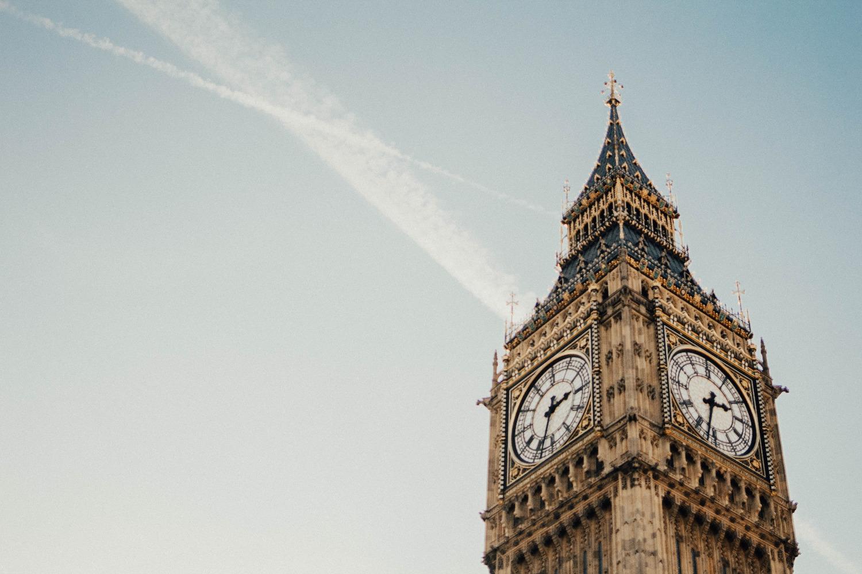 Spitze on Big Ben vor klarem Himmel, London.