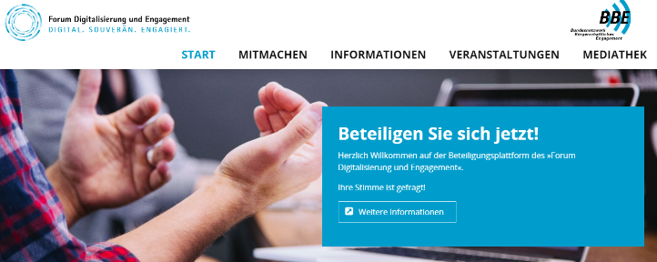 Screenshot der Seite forum-digitalisierung.de mit dem Headerbild: Beteiligen Sie sich jetzt! Daneben sieht man eine gestikulierende Hand.