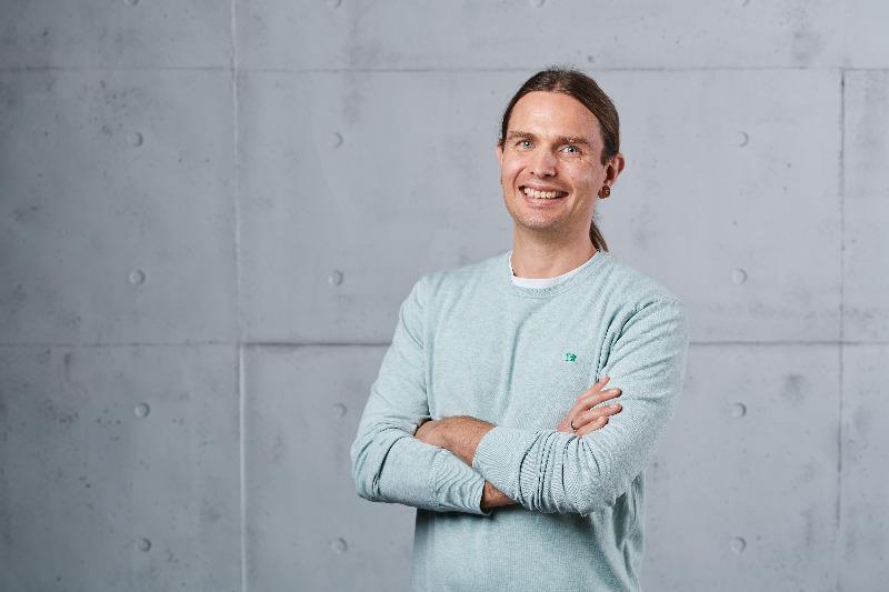 Foto: Gregor Nilsson erklärt CRM