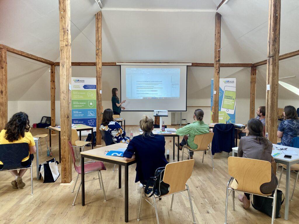 Foto eines Seminars der Digitalen Nachbarschaft DiNa
